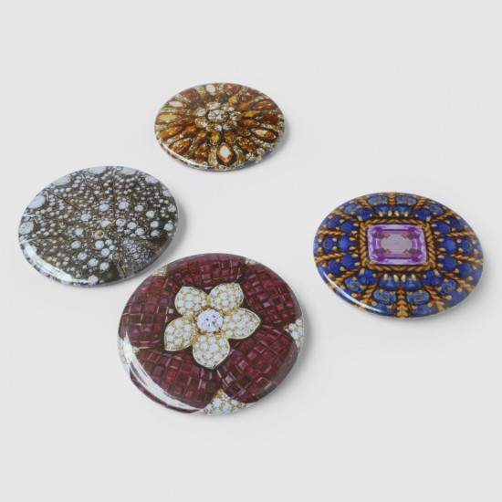 LUXURIOUS BROOCHES
